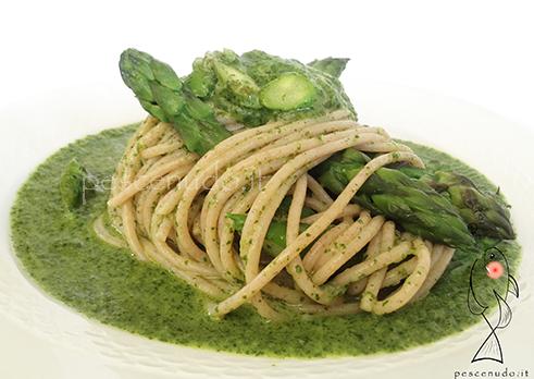 Spaghetti di farro, Asparagi e Tarassaco